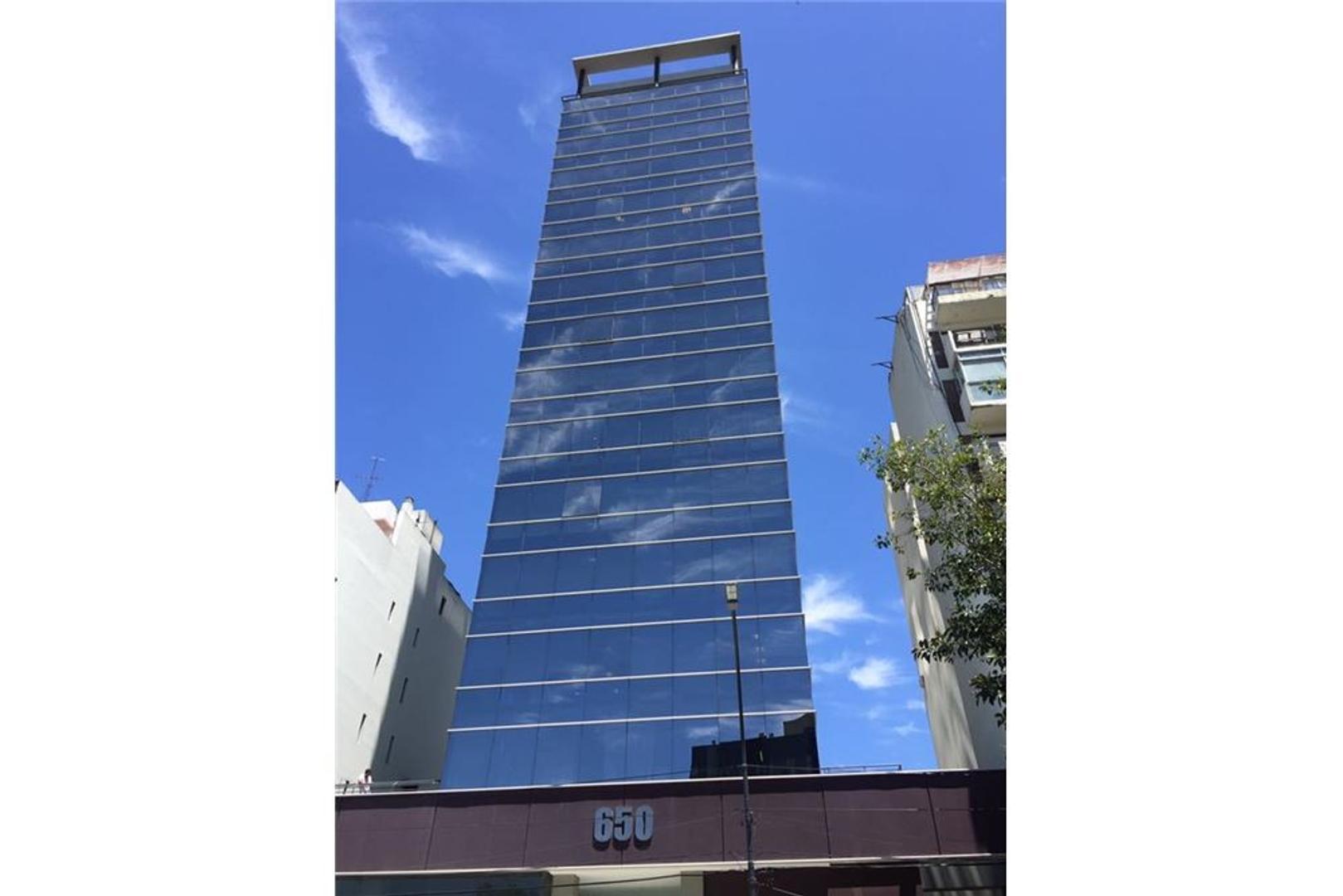 OFICINA de 190m2 IMPECABLE c/3 cocheras