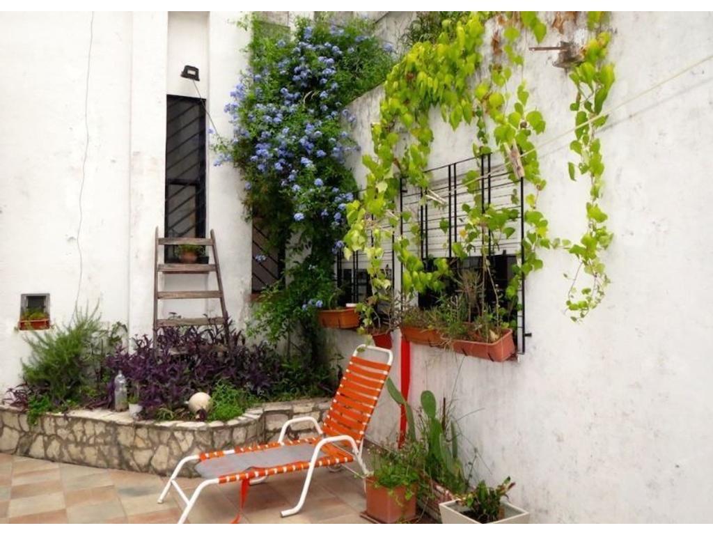 Casa en venta en holmberg 1700 villa urquiza buscainmueble for Casa de azulejos en capital federal