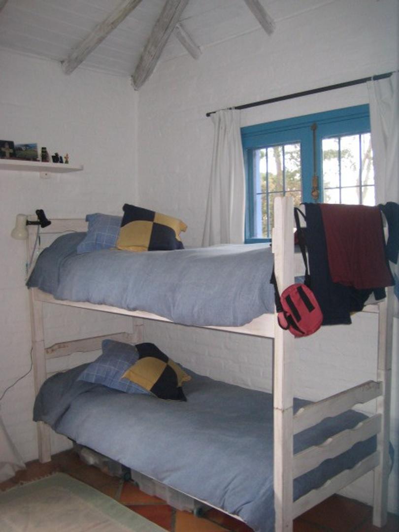 Casa en Montoya con 4 habitaciones