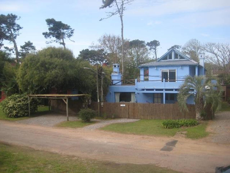 Casa en Venta en Montoya - 5 ambientes