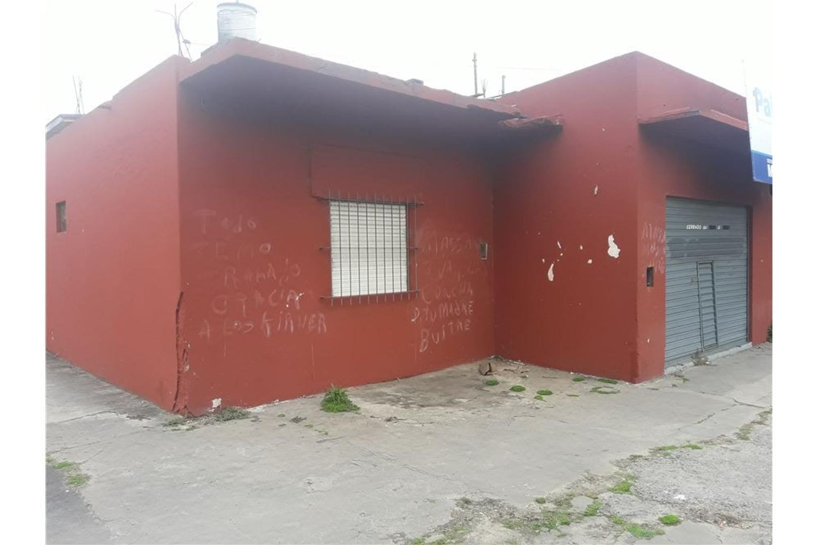 BAJO EL PRECIO  CASA &  2 LOCALES ESPECTACULARES