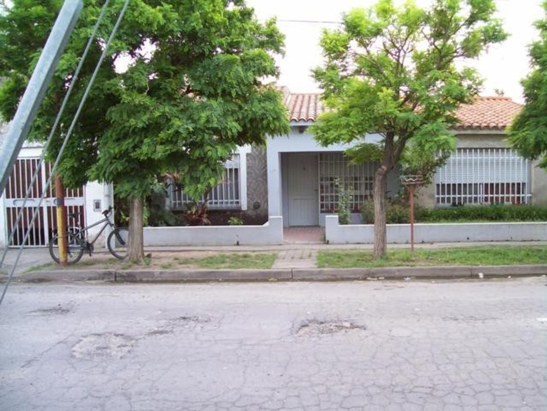 Casa en Venta en Villa Gobernador Galvez - 4 ambientes