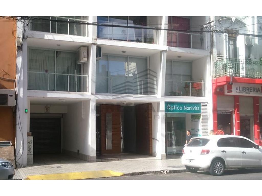 Córdoba y Santiago - Cochera a la venta