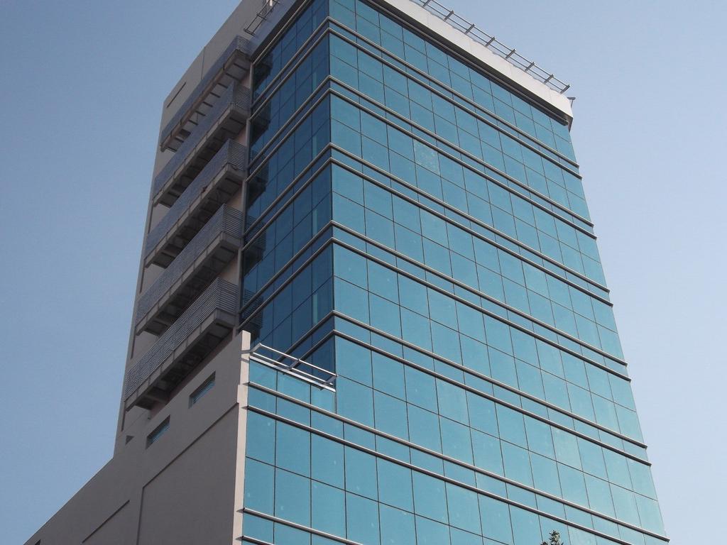 Oficina, 600 m2 en dos plantas. Todos los medios de transporte.