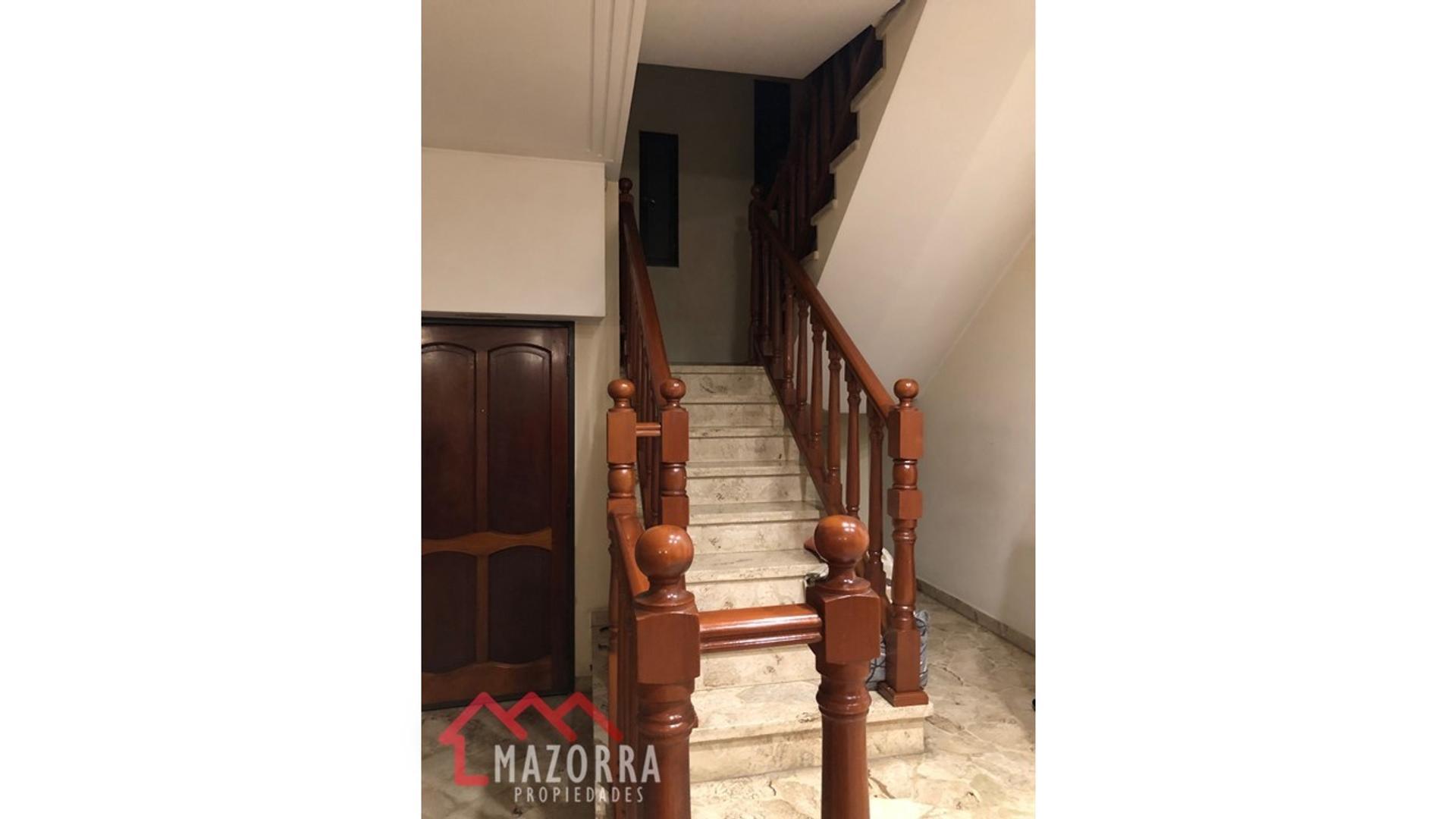 Casa - 110 m²   3 dormitorios   2 baños