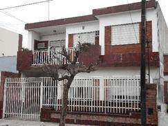 Alquiler Ph 6 ambientes para 2 familias independientes c/cochera y patio - Ramos Mejia
