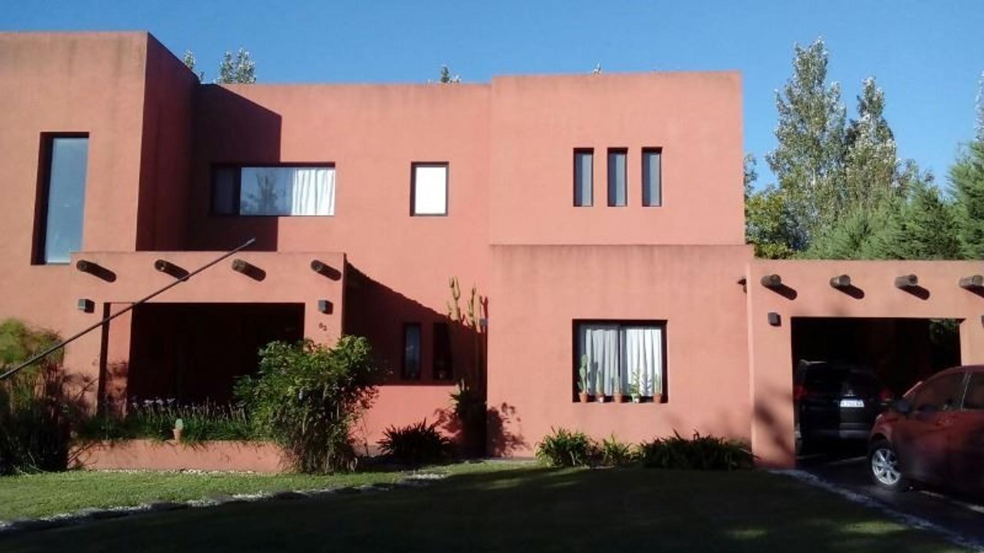 Casa en El Centauro