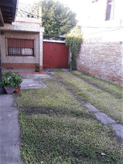 CASA 4 AMB CON GARAGE, PATIO Y TERRAZA, LOTE 10 x 30 - LOMA HERMOSA