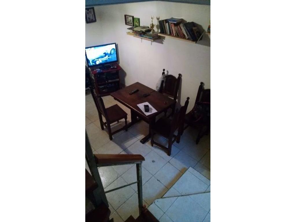 PH 1ambiente,excelente/ ubicacion  , divisible ,cocina y baño completo entre piso/dormitorio