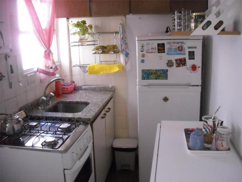 Monoambiente Dividido- Cocina y Lavadero separado- Neuquen y Trelles- Expensas 1200