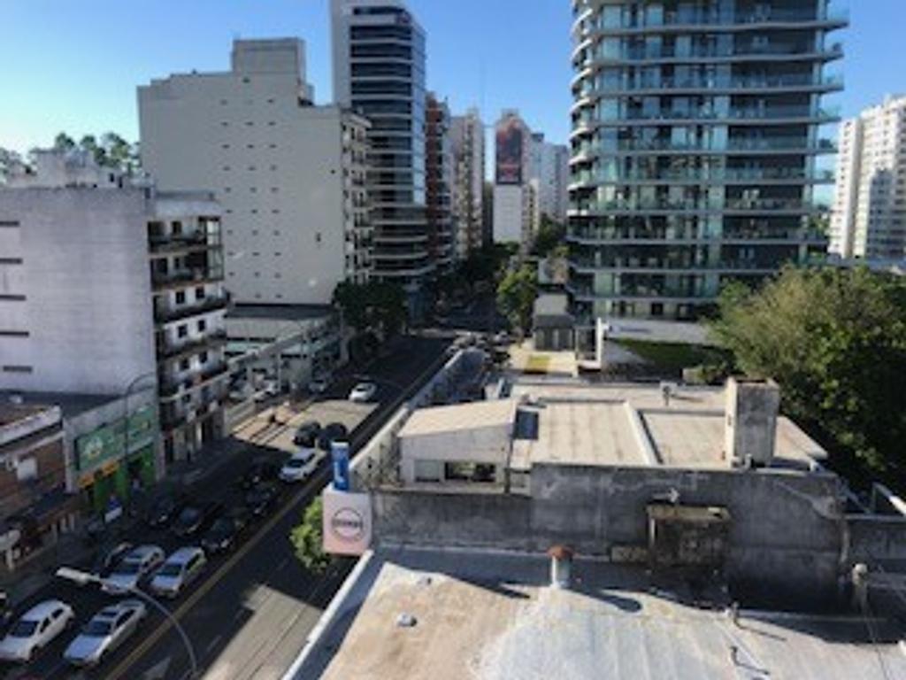 EXC VISTA CON VISTA AL RIO , 2 AMB DE 33 MTS O 1 AMB GDE , PUERTA BLINDADA , SUPER LUMINOSO