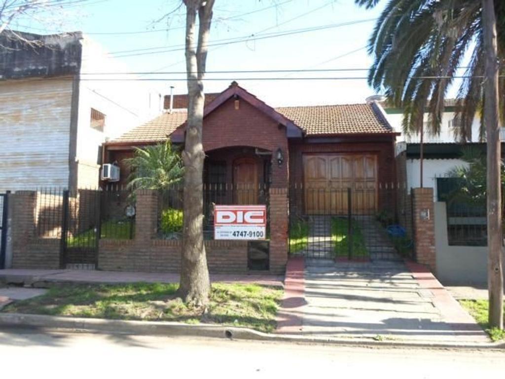 Casa en venta en quirno costa 600 san fernando argenprop for Inmobiliaria 3 casas