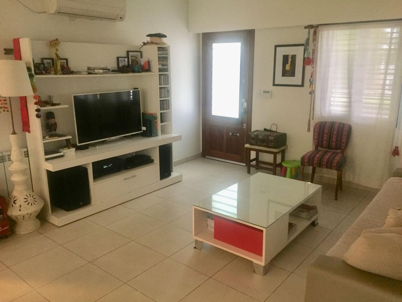 APTA CREDITO - Estupenda Casa 2 Dorm - Patio - Cochera - Almafuerte 305 LIBRE DE GASTOS