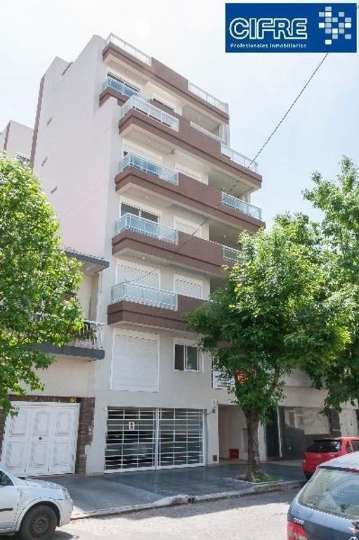 SemiPiso a ESTRENAR de 4 ambientes al c/frente con balcón aterrazado y patio.(Suc. Mosconi 45744444)