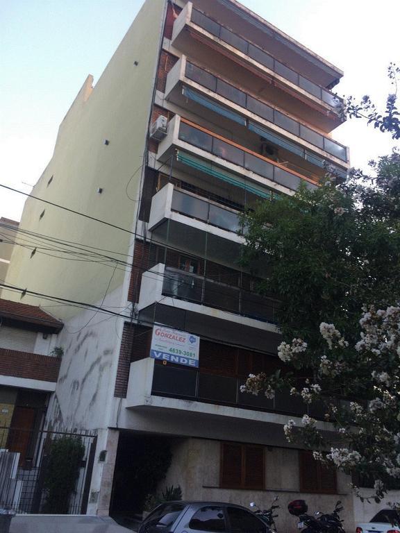 EXCELENTE DEPRTAMENTO 4 AMBIENTES CON BALCON CORRIDO