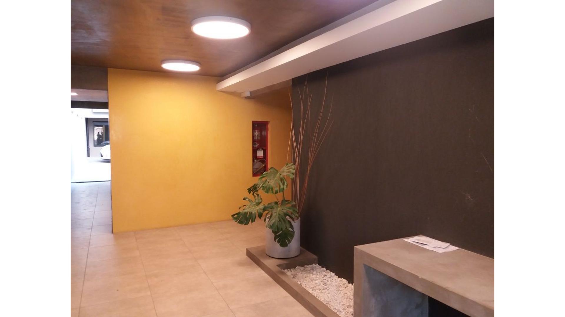 Hermoso y amplio monoambiente a estrenar con balcon terraza y parrilla, Dueno Directo!!