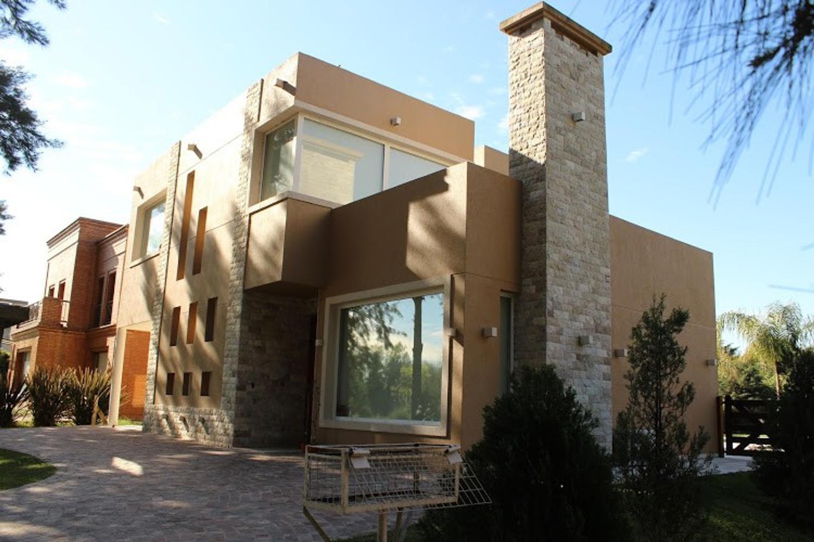 Casa en Venta en El Lauquen - 4 ambientes