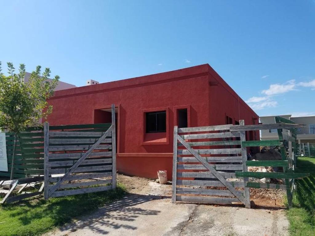 Casa en una planta con pileta en venta en Las Tipas, Nordelta