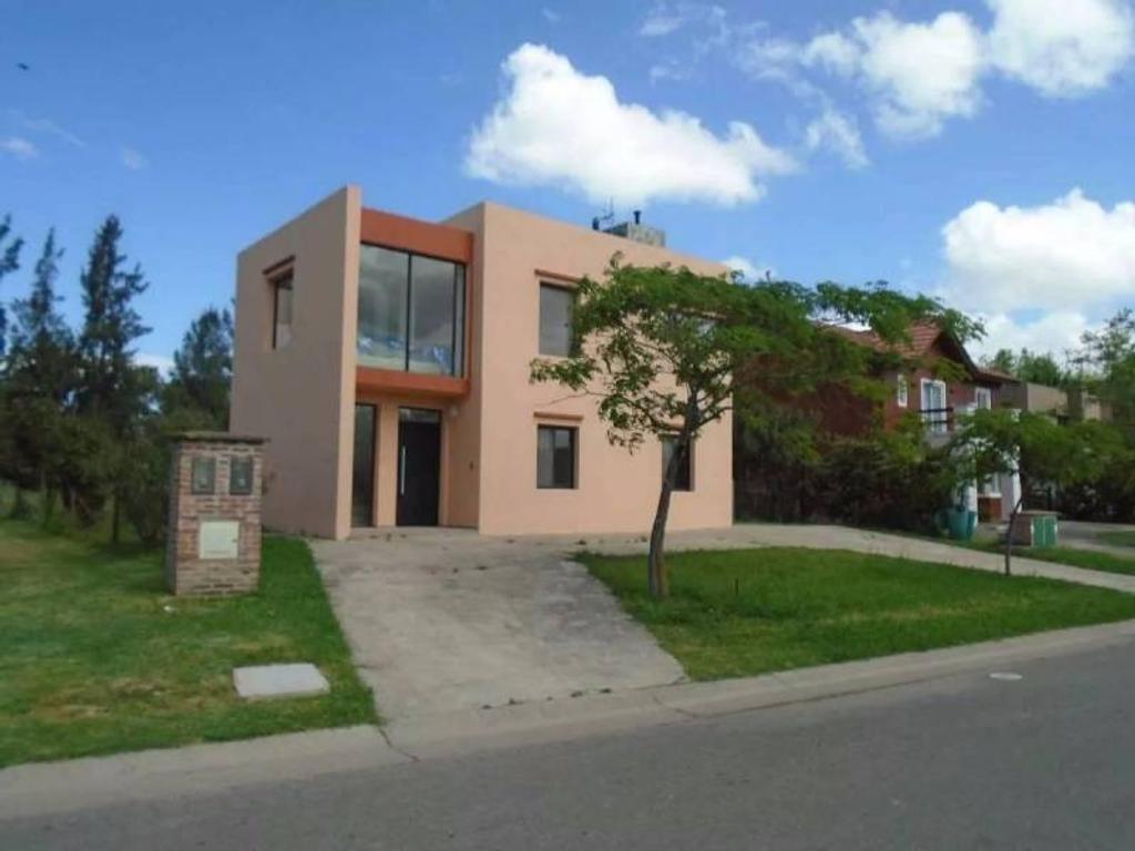 Casa en venta en el barrio San Agustin , Villa Nueva, Tigre