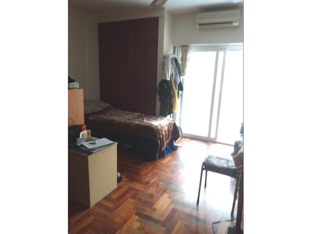 3 ambiente 2 baños y vestidor amplio con cochera fija cubierta, Departamento todo externo. Excepcio