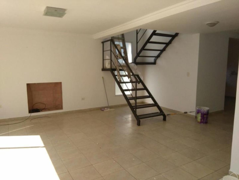 Casa en Alquiler en Los Rosales - 4 ambientes