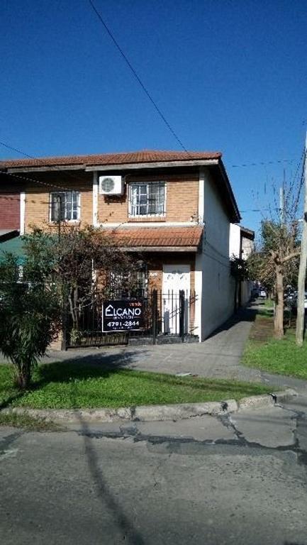 Casa en venta en pres santiago derqui 4800 munro argenprop for Duplex con garage