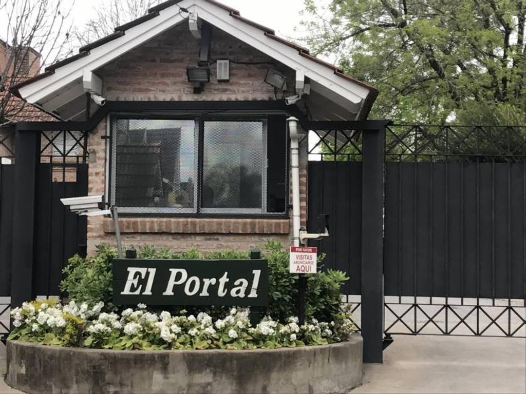 """Impecable casa en barrio cerrado """"El portal"""""""