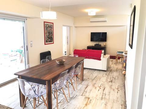 VENTA - Casa de un dormitorio de excelente construcción con pileta