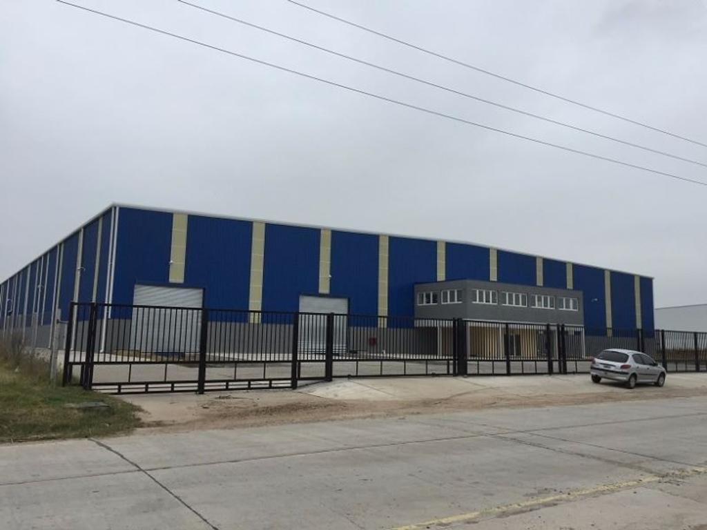 Polo Industrial Ezeiza - Sobre 10.000 m² - 6.500 m² cubiertos