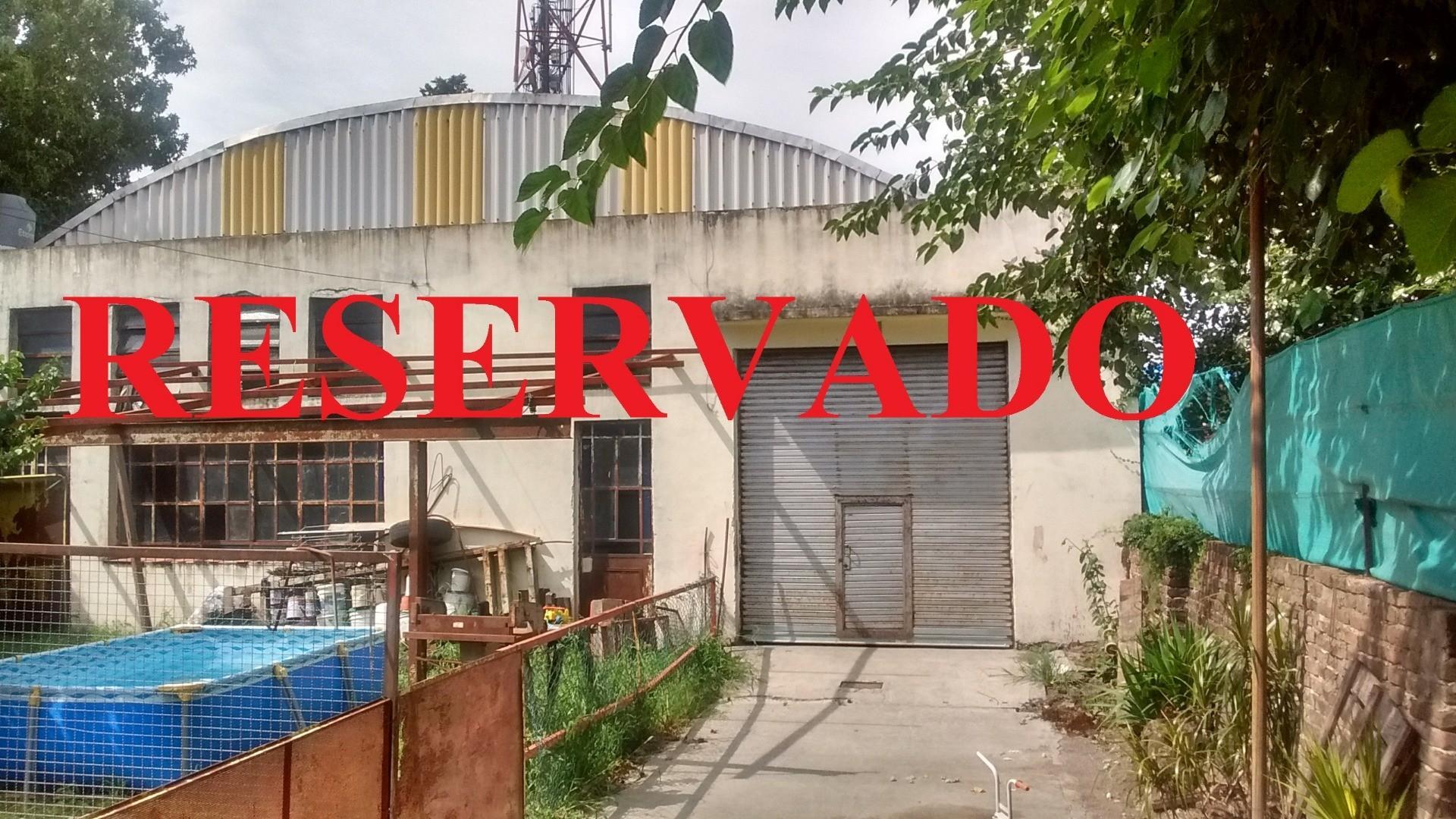 Galpón 330m2 Interno; Entrada Camioneta; s/lote 17,32x23.-de Ariel R. Garcia .- 4734-7020