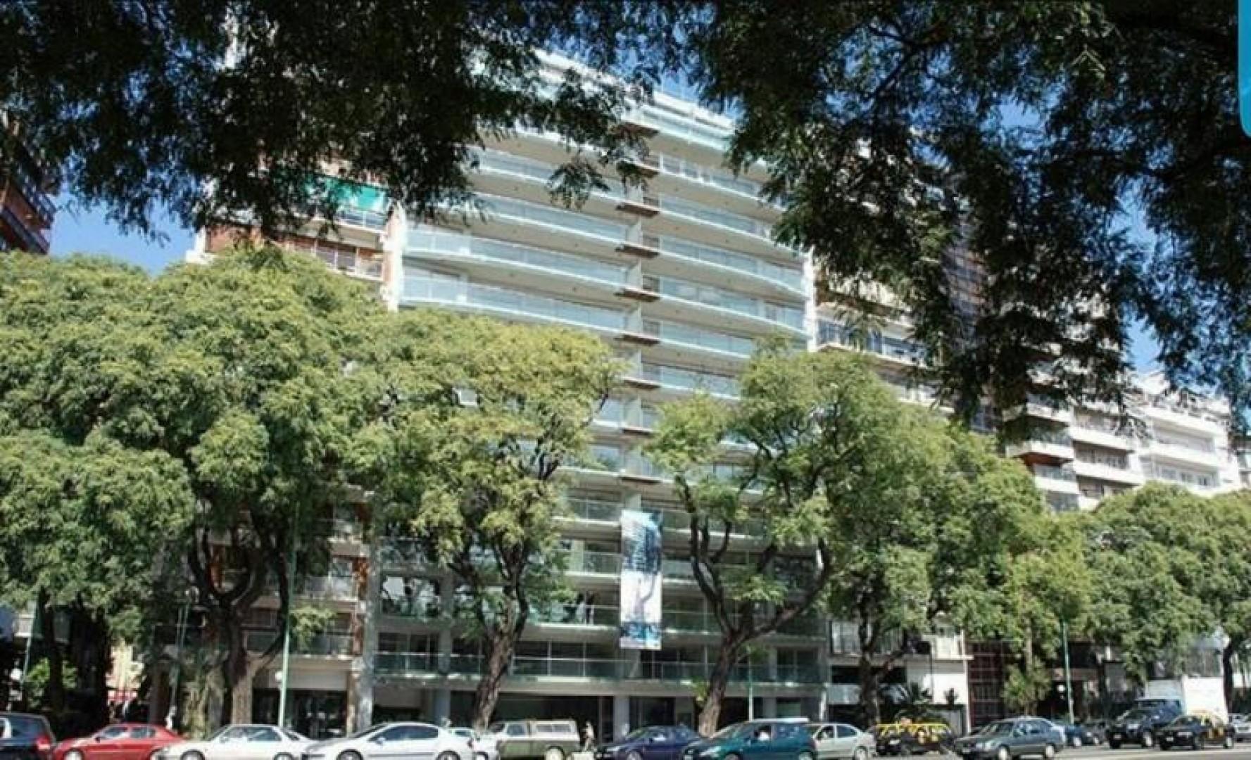 EXCELENTE CONSTRUCCION DE GRAN CALIDAD ESPACIOS MUY AMPLIOS