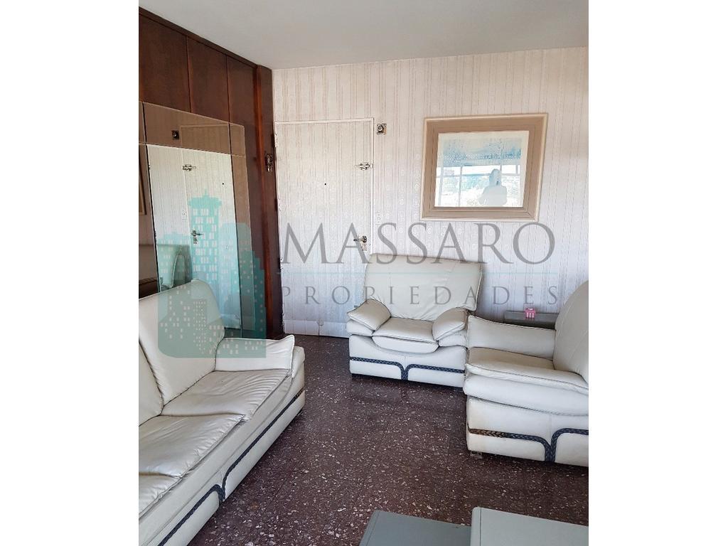 Departamento en venta en duplex, apto crédito, 3 amb., barrio Liniers.