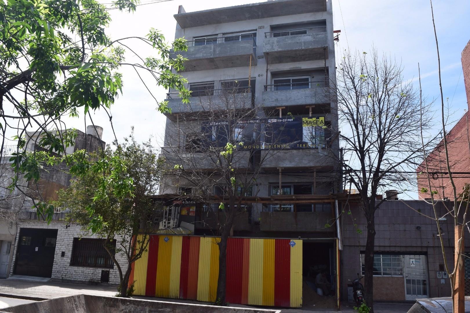Departamento 2 dormitorio al CONTRAFRENTE, 1 Piso, 52,5 cubiertos mas balcón