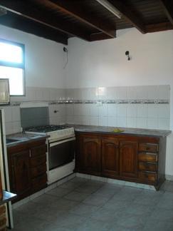 Departamento tipo casa 3 Ambientes en alquiler. Castelar Norte