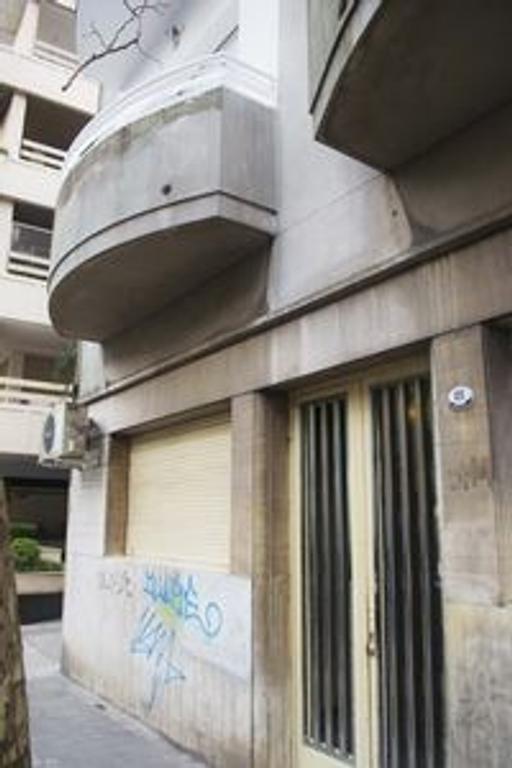 DEPARTAMENTO AL FRENTE 2 AMBIENTES CON BALCON A UNA CUADRA DE AV RIVADAVIA