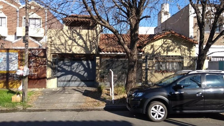 Excelente chalet en Castelar norte, 4 dormitorios, zona residencial