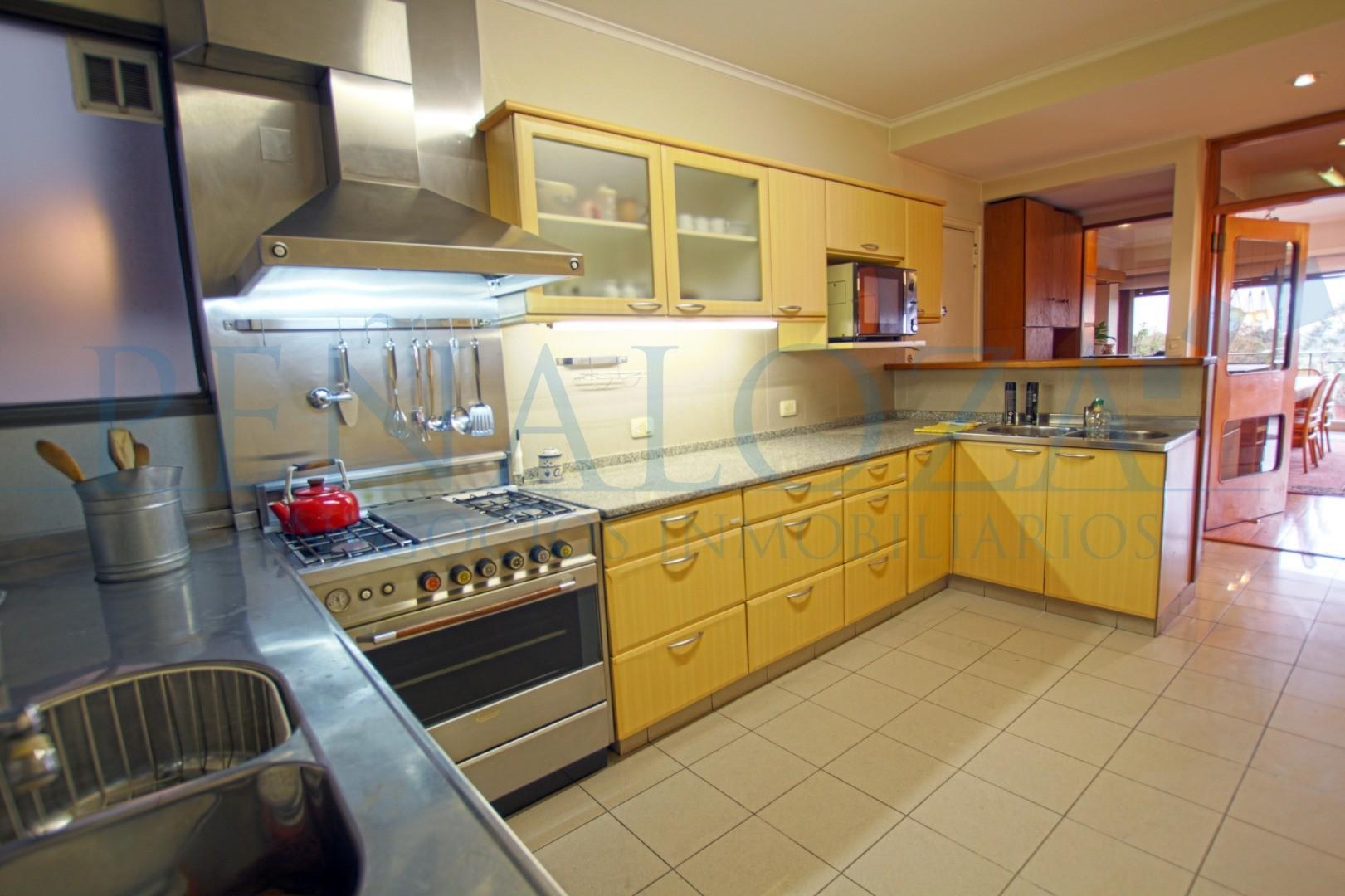 Departamento - 204 m² | 5 dormitorios | 60 años