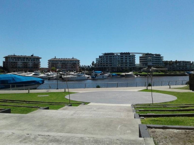 Impecable y luminoso 2 amb en la Bahia Grande