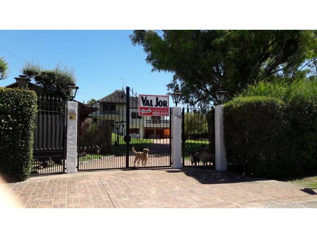 Casa Lote Propio 4 Dormitios, c/Garage y Quincho.