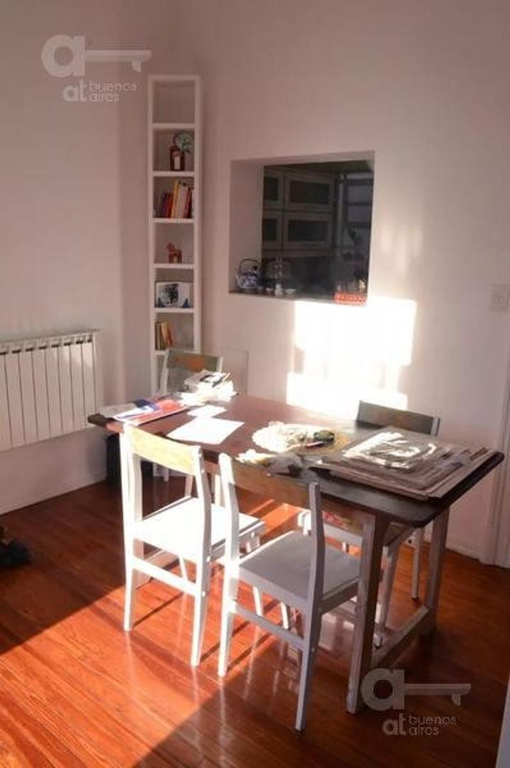 San Telmo. Departamento 2 ambientes con balcón francés. Alquiler temporario sin garantías.