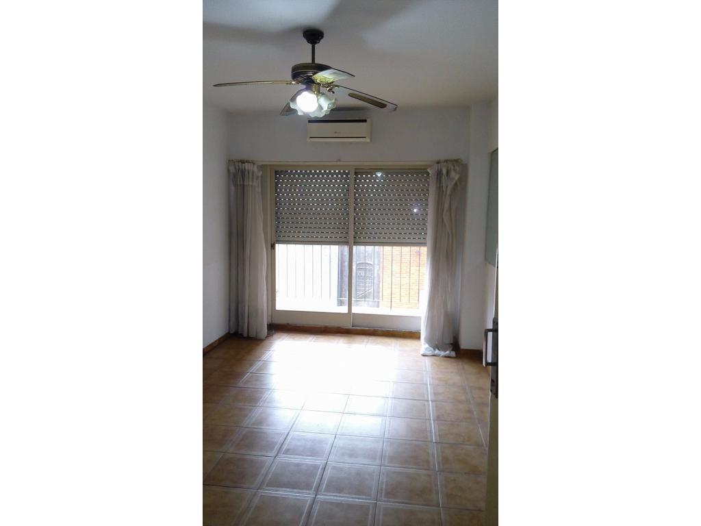 Moreno 2500 - 3 ambientes con cocina separada