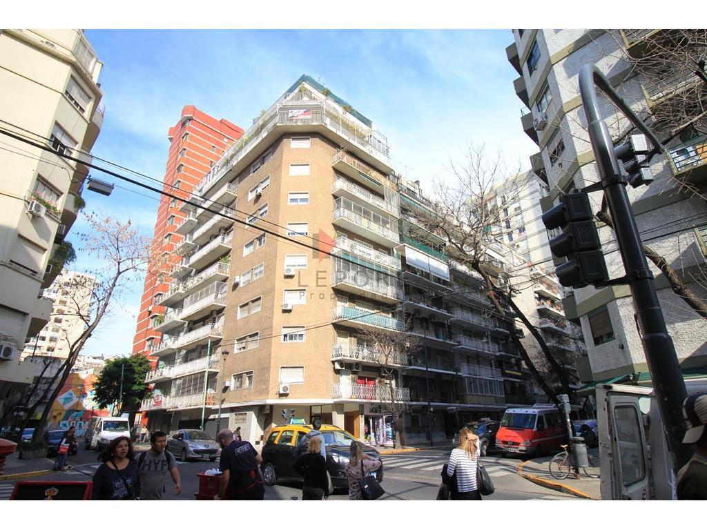 Excelente departamento , amplios ambientes, cocina y comedor diario,  balcón aterrazado de 40mts.