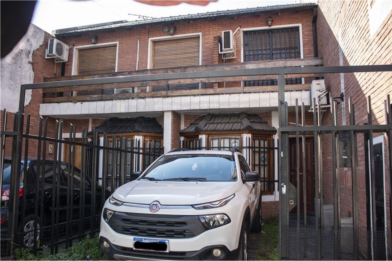 DUPLEX TIPO CASA - COCHERA - PATIO CON PARRILLA - - Foto 27