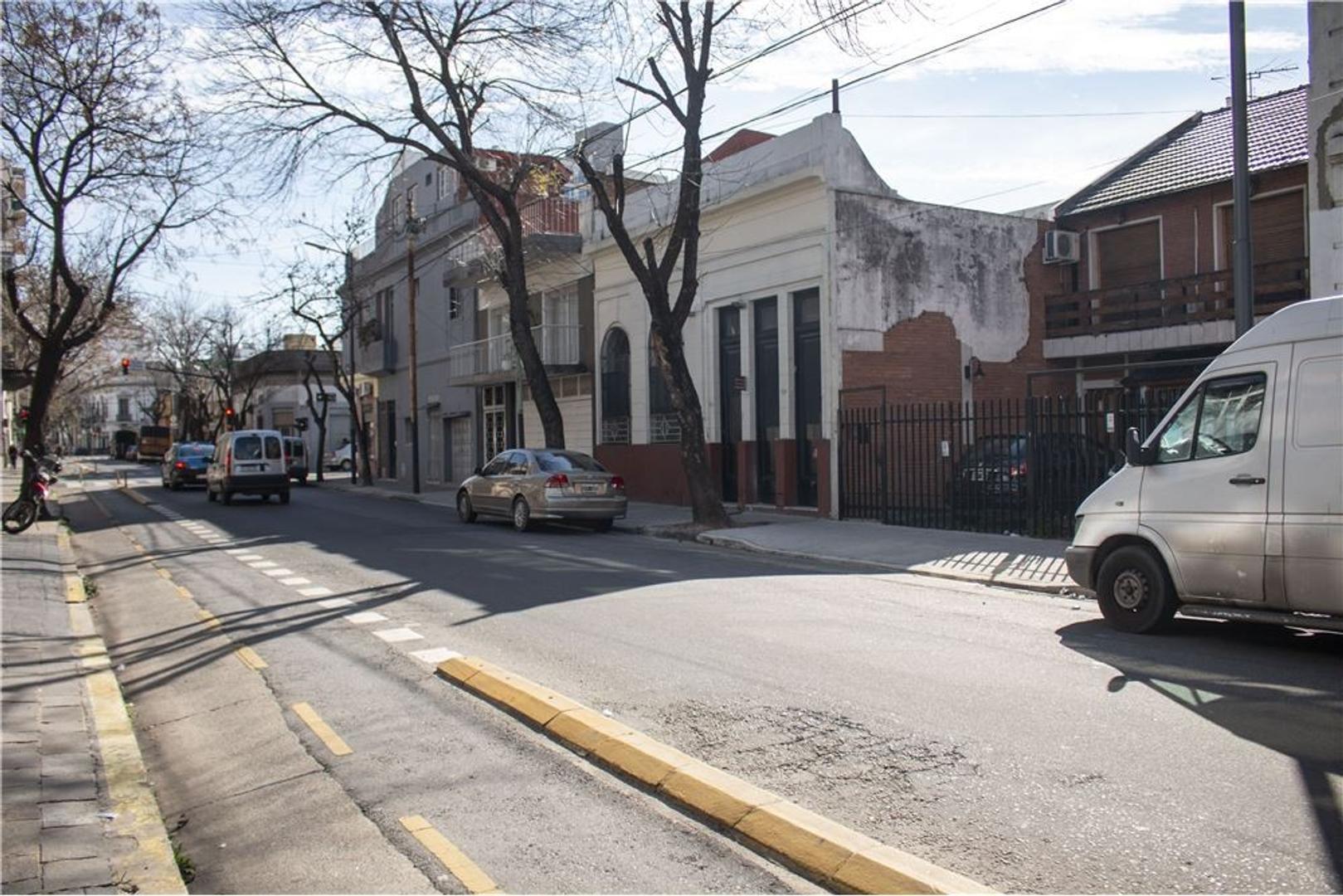 DUPLEX TIPO CASA - COCHERA - PATIO CON PARRILLA - - Foto 30