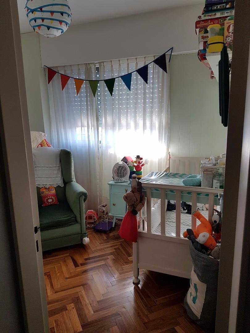 DUEÑO VENDE Departamento 4 ambientes al frente con amplio balcon