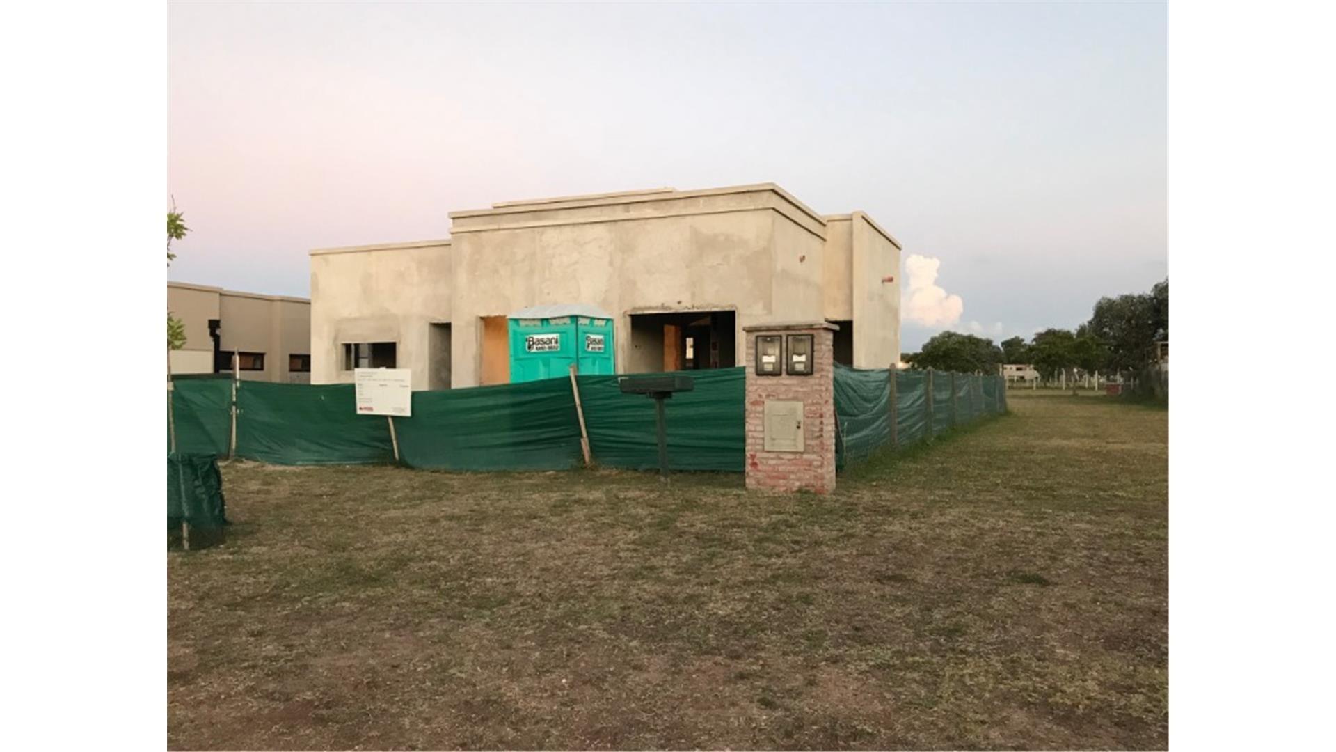 FIRENZE VILAS VENDE CASA EN BARRIO SAN ALFONSO