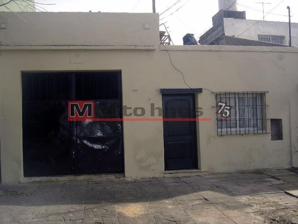 Casa en venta en g de laferrere 5327 mataderos argenprop for Casa de azulejos en capital federal