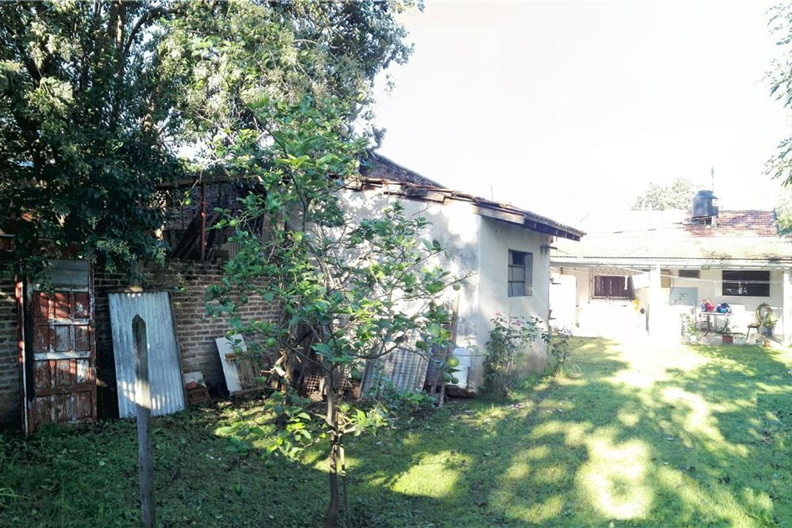 Casa venta 3 ambientes Banfield