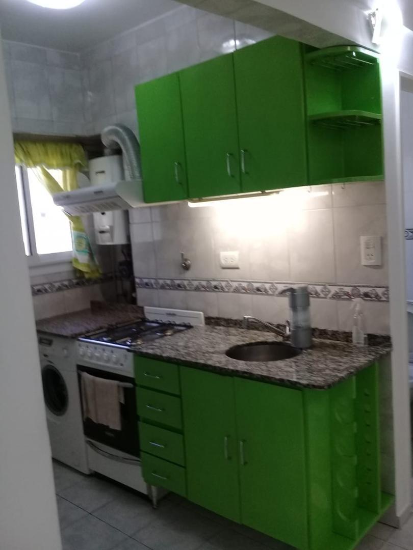 Pje L Barcala 3000, Piso 4° p/escalera - 2 ambientes