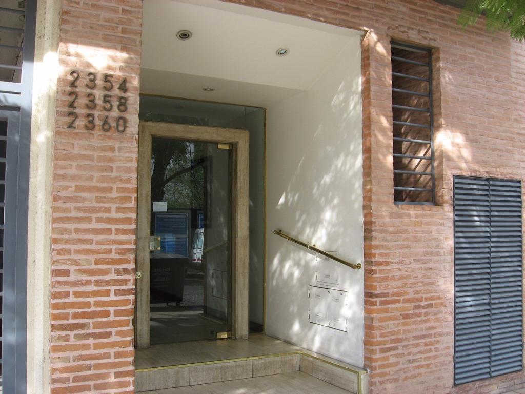 Excelente 3 amb cfte c/bcón 1/2 c/Av. Cabildo - Super luminoso - Baño y toil -M/b/estado